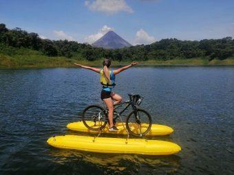 Hors des sentiers battus > et pourquoi ne pas traverser le lac Arenal … à vélo ?