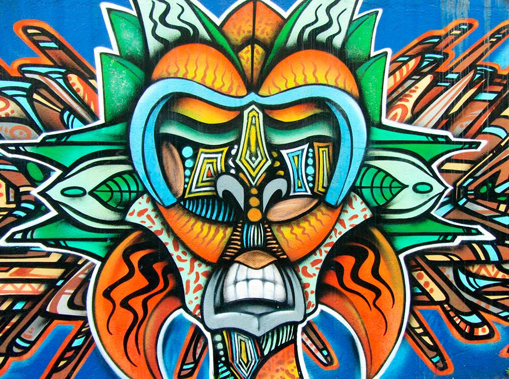 Street Art inspirado en la tradicional máscara boruca
