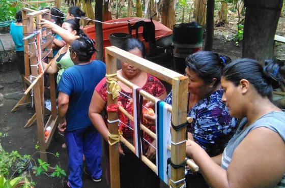 Cultivando nuestras raíces – fortaleciendo la herencia cultural indígena