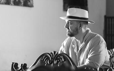 Juan Duyos finaliza su viaje de inspiración a Costa Rica para crear su próxima colección