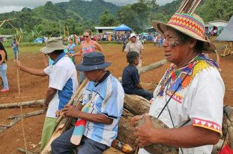 Danzas y ceremonias ancestrales de los indígenas de la Casona de Coto Brus