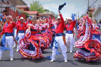 La Banda Municipal de Zarcero en el Desfile de las Rosas 2020