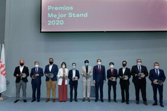 Costa Rica recibe los premios mejor stand y stand sostenible correspondientes a los años 2020 y 2021